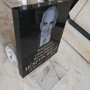 Resimli Granit Mezar Baştaşı