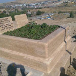 Asr, Aile Mezarlığı