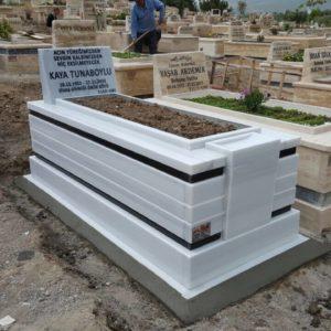Lale Beyaz Mermer Mezar