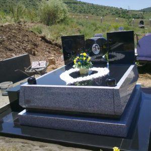özel Tasarım çift Kişilik Granit Mezarlar