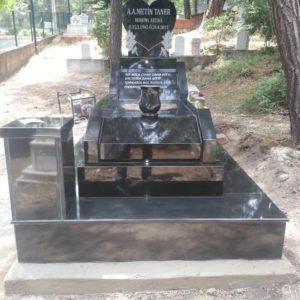 özel Tasarım Siyah Granit Mezar