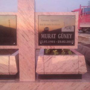 özel Tasarım Granit Mezarlar